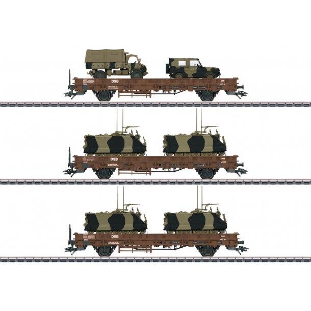 Märklin 46934 DSB godsvognsæt Litra Kbs 443 med transporter M113, en Unimog S404 og Wolf Gl.