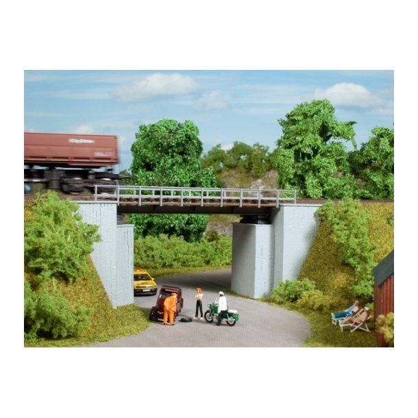 Auhagen HO 11428  lille jernbanebro