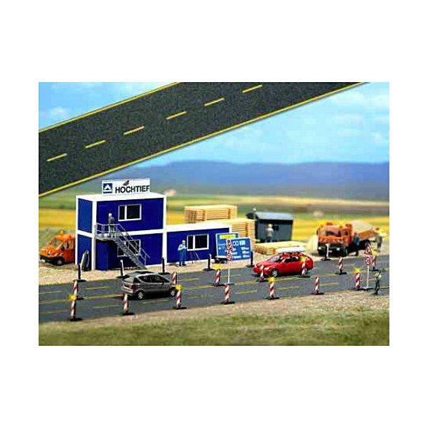 Busch HO 6036 Asfalt vej med gule vejmarkeringer