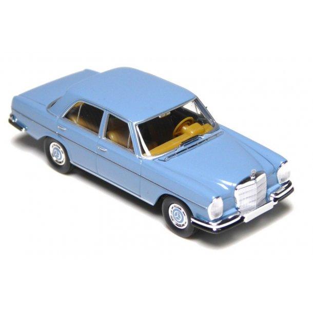 Brekina HO 13100 Mercedes Benz MB 280 SE W 108 blå
