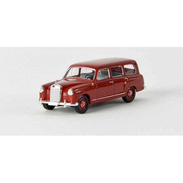 Brekina HO 13452 Mercedes Benz 180 Kombi rubin rød. Fra Starmada
