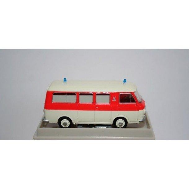 Brekina HO 34413 Fiat 238 ambulance rød/hvid