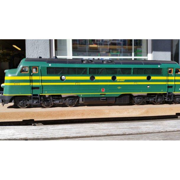 PULLMAN ESU 30342 spor 1 diesellok I Nohab AFB SNCB 204.007  med diesellyd og røg