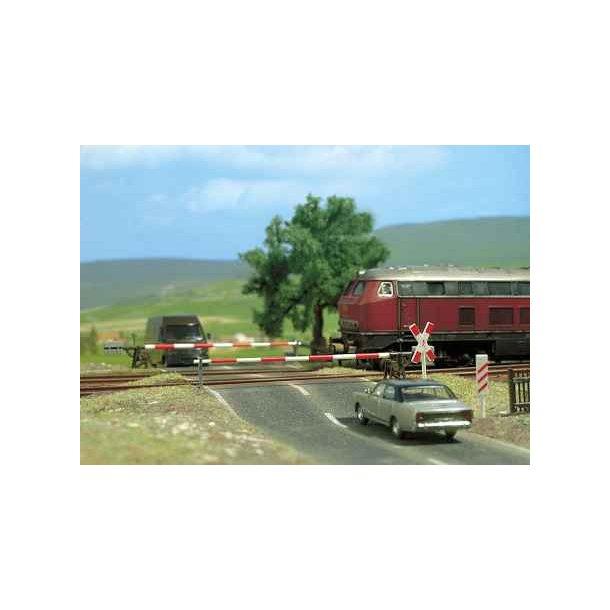 Busch 6021 HO jernbaneoverskæring
