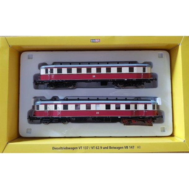 Brawa HO 44359 DR dieseltogsæt VT 137 og bivogn VB 147 Digital til Märklin drift