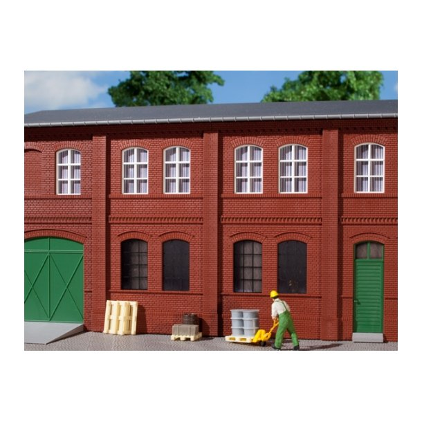 Auhagen HO 80508 Vægge 2322A rød 8 vægge med vinduesåbninger A og B med tand Frieze.